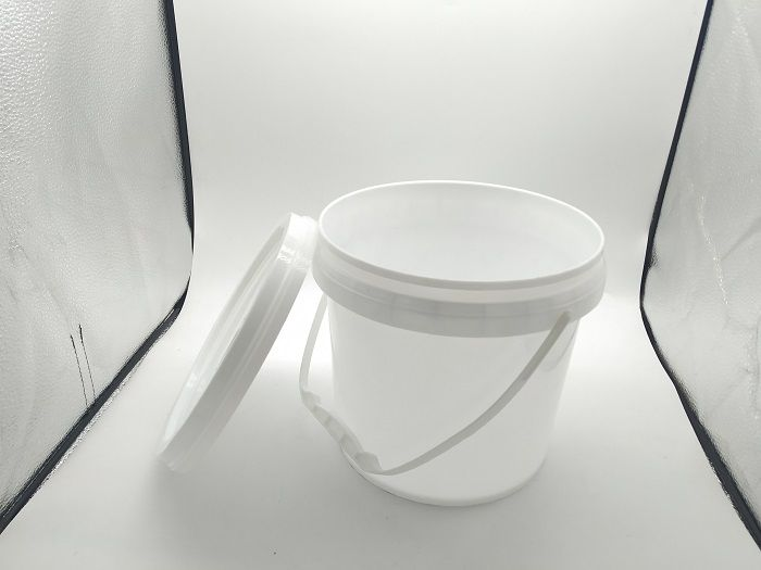 custom-printed-empty-clear-white-plastic-paint-4-liter-bucket